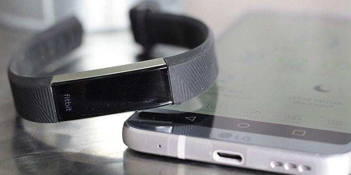 Review: Fitbit Alta HR, una pulsera para cumplir con la operación bikini
