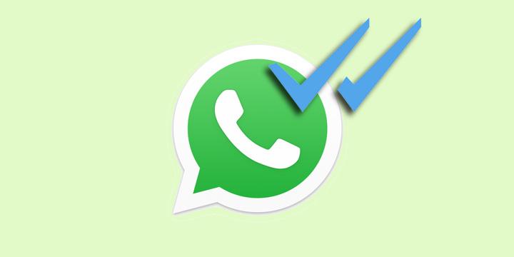 Cómo escuchar un audio de WhatsApp sin que salga el doble check azul en ese momento