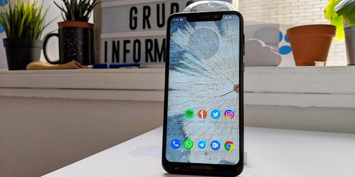 Review: Motorola One, buen diseño y Android One para la gama media