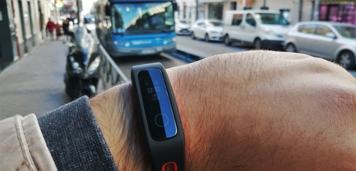 Imagen - Review: Honor Band 4 Running, una pulsera fitness con la resistencia por bandera