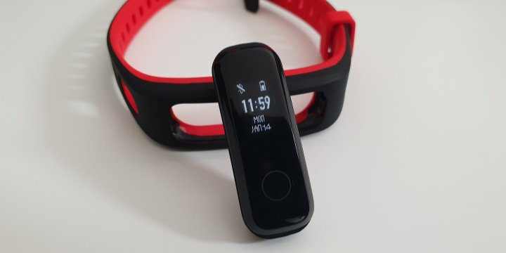 Review: Honor Band 4 Running, una pulsera fitness con la resistencia por bandera