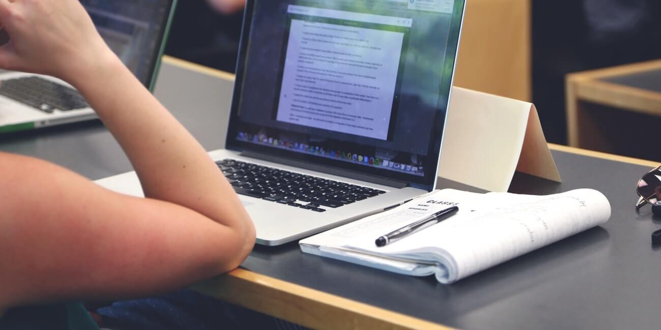 Apruebatodo, la polémica web para encargar trabajos universitarios