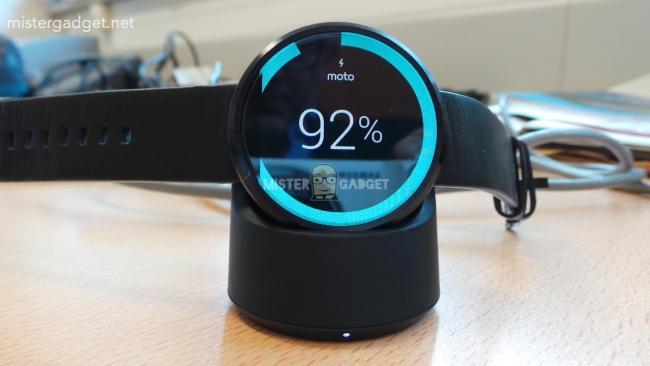 Imagen - Así es la estación de carga inalámbrica del Moto 360