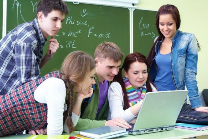 Imagen - Un 32% de los jóvenes dedica más de 3 horas diarias a Internet
