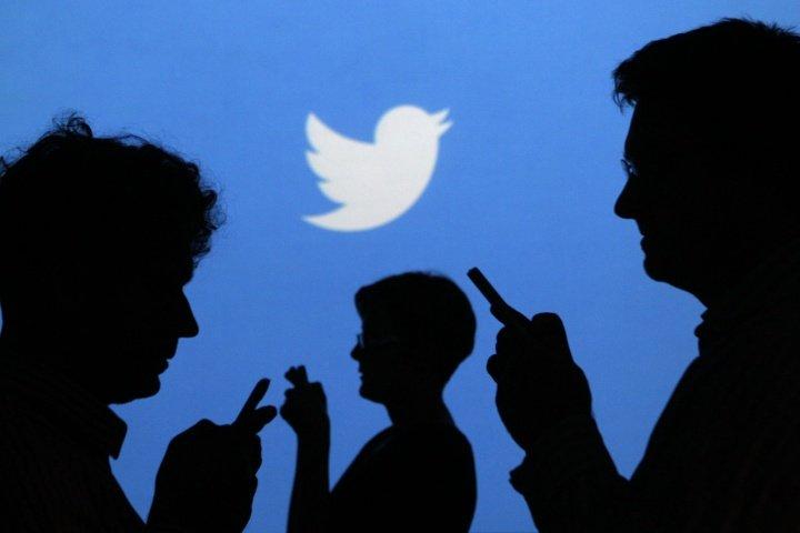 Twitter prueba stickers en las fotos