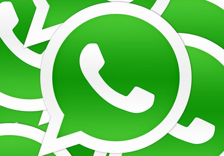 WhatsApp ya permite el flash delantero para selfies en Android y pronto en iOS