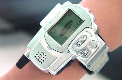 """Imagen - El primer """"watch phone"""" se lanzó en 1999"""