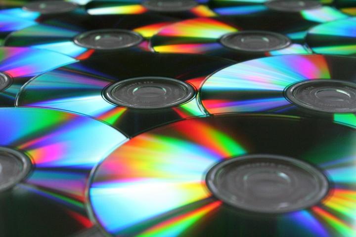 El canon digital volverá a cargarse en discos, unidades USB  y móviles