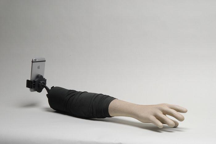 Imagen - El brazo-selfie, el palo selfie para solteros