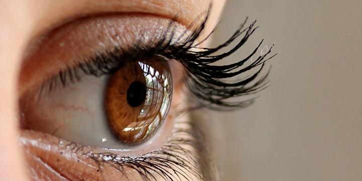 Imagen - El uso de tu smartphone en la cama puede provocar ceguera temporal