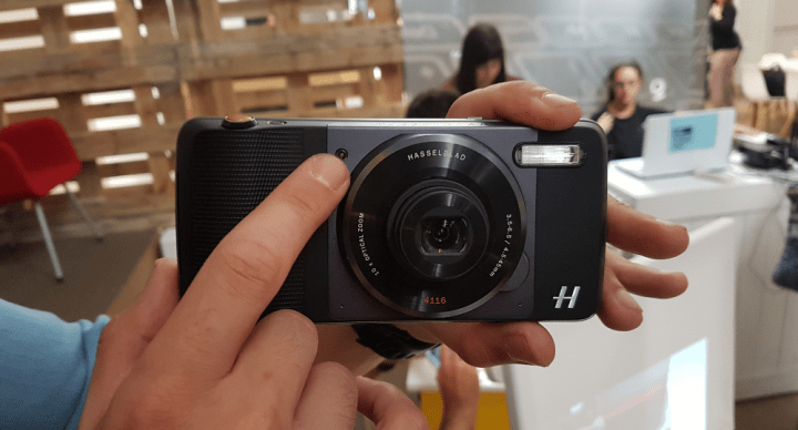 Imagen - Moto Z Play llega a España con el Hasselblad True Zoom