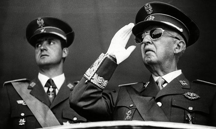 Google define a Franco como Ex Presidente del Gobierno de España