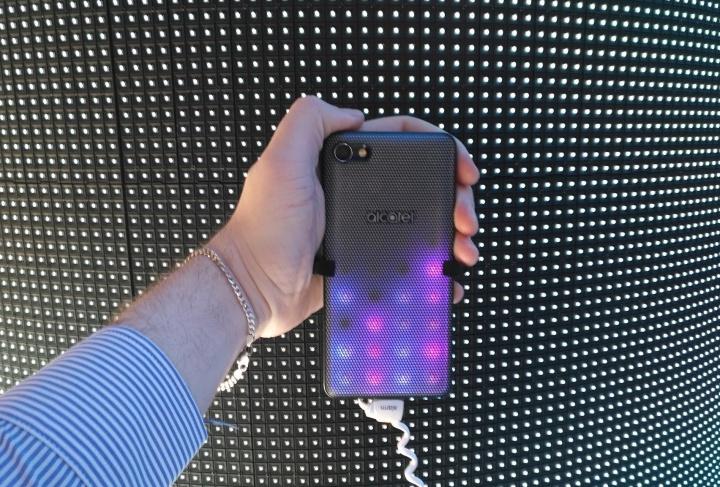 Alcatel presenta los nuevos A5 LED, A3 y U5