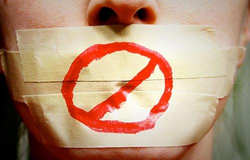 """Imagen - Un """"me gusta"""" en Facebook podría costarte 600 euros debido a la Ley Mordaza"""