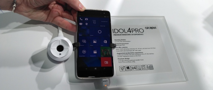 Imagen - Alcatel lanza Idol 4 Pro, un smartphone con Windows 10 muy atractivo