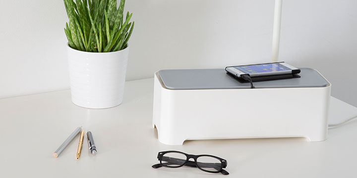 Curver E Box permite organizar los cables al tiempo que carga tu móvil