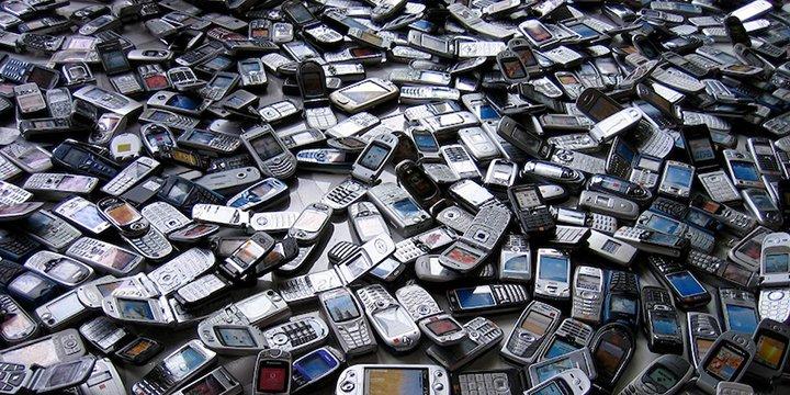 Imagen - La Unión Europea quiere que no te veas obligado a cambiar de teléfono cada dos años