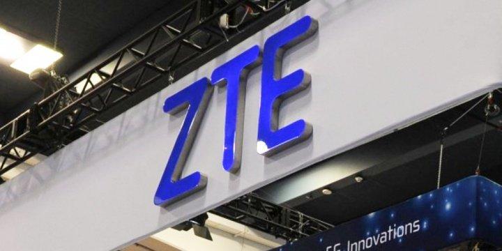 ZTE Axon M podría ser el primer smartphone plegable