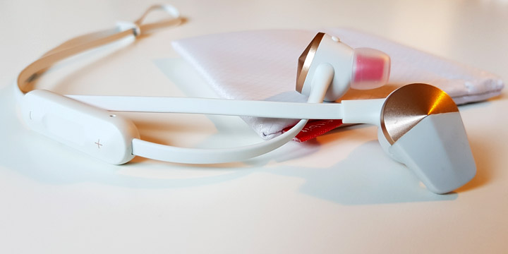 Review: Fitbit Flyer, unos auriculares inalámbricos mimados en todos sus detalles