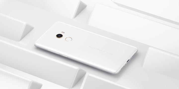 Xiaomi Mi Mix 2 Edición Limitada en cerámica blanca llega a España