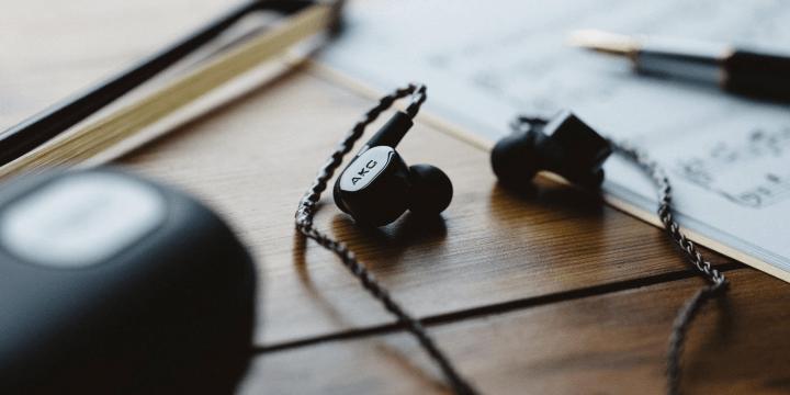 AKG N5005, los auriculares premium con 5 drivers y filtros de sonido