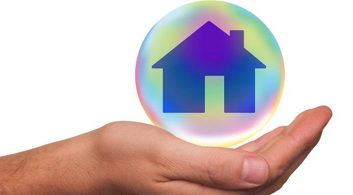 SPC lanza su Smart Home: bombillas inteligentes, robots aspiradora, videovigilancia y más