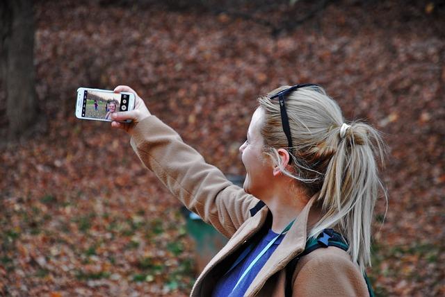 Imagen - Un selfie tomado junto a una mujer atropellada genera polémica en las redes sociales