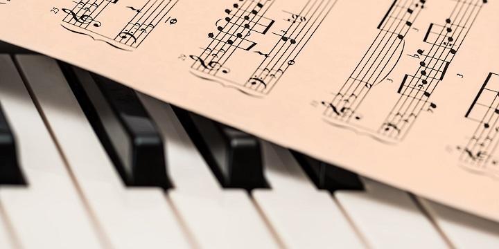 tocar-piano-flowkey-app-720x360