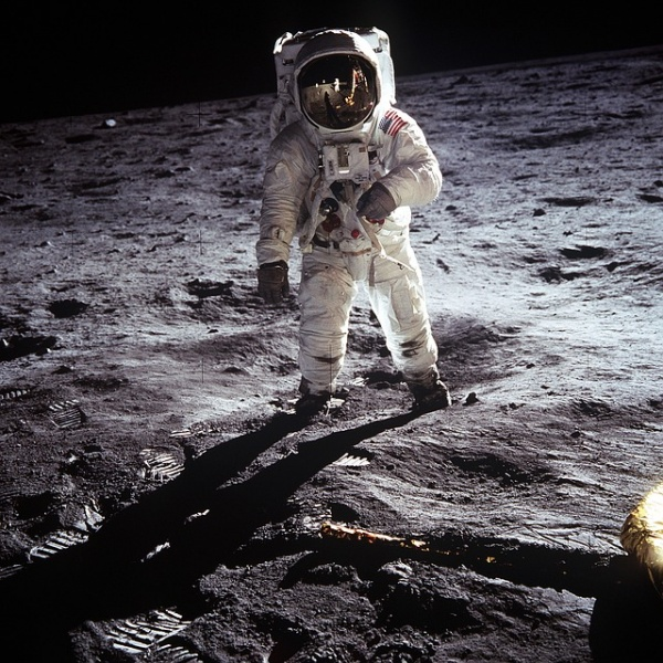 Imagen - La encuesta de Iker Casillas sobre si el hombre llegó a la Luna se hace viral en Twitter