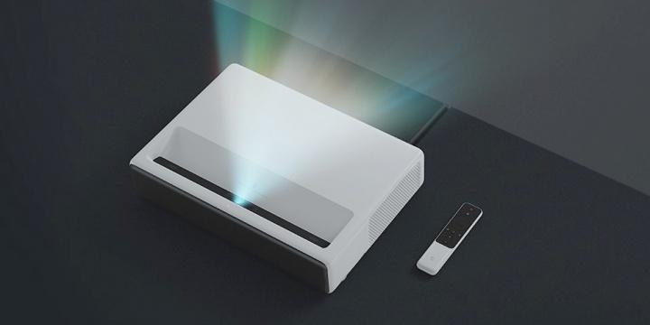 """Imagen - Xiaomi lanza Mi Band 3 y Mi Laser Projector 150"""" en España"""