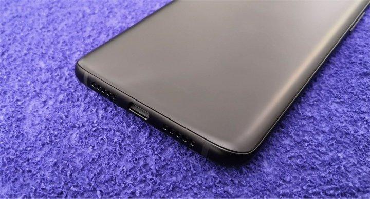 Imagen - Review: OnePlus 6T, lector de huellas en pantalla y mini notch para un móvil detallista