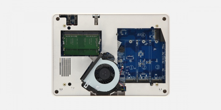 Imagen - QNAP TBS-453DX, el NASbook con ranuras SSD SATA M.2 y caché de archivos en la nube