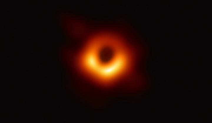 Imagen - Google dedica un Doodle a la primera imagen de un agujero negro