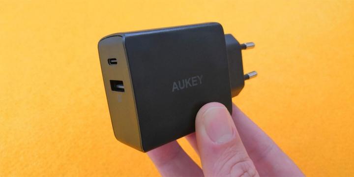 Imagen - Aukey PA-Y17 y PA-Y20, cargadores rápidos y compactos para Android, iPhone y otros