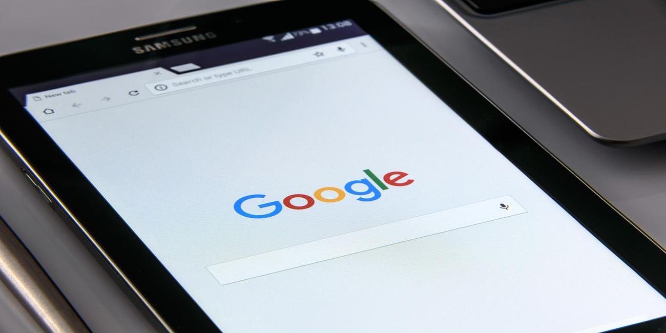 google-on-your-smartphone-1796337_1280-1300x650