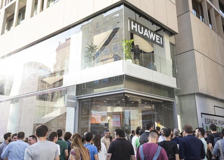 Imagen - Huawei abre el Espacio Huawei en Madrid, la mayor tienda de Europa