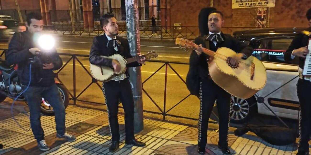 Forocoches lo vuelve a hacer: envían mariachis a la sede de Ciudadanos