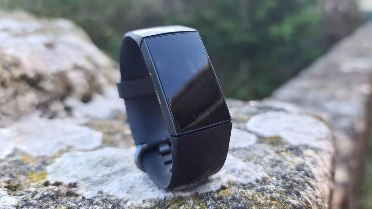 Review: Fitbit Charge 4, la pulsera de actividad llena de detalles