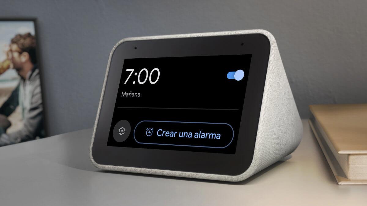¡Chollo! Lenovo Smart Clock, una pantalla inteligente con Google Assistant por solo 38 €