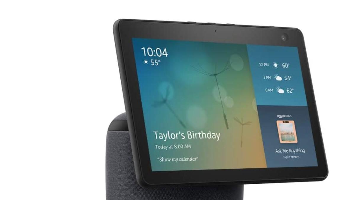 El nuevo Amazon Echo Show 10 es capaz de girar su pantalla para seguirnos