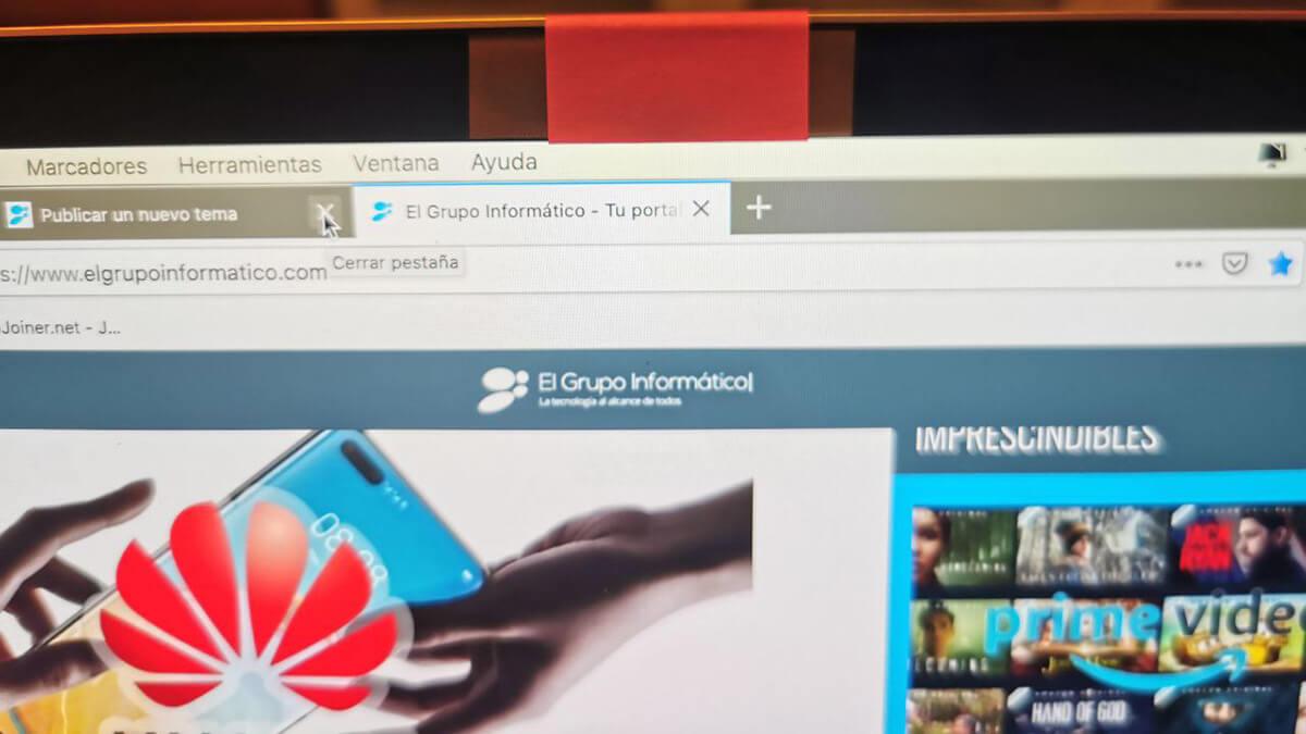 ¿Tiene sentido cubrir la webcam del ordenador?