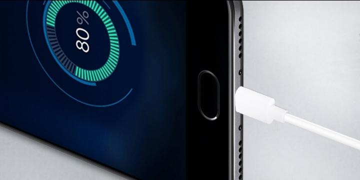 Oukitel K6000 Plus vs iPhone 7 Plus, ¿qué batería se carga más rápido?