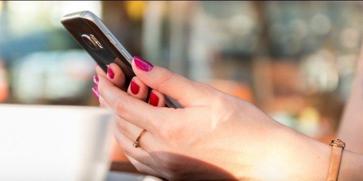 Multan a un instalador de Movistar por usar datos de una clienta para ligar con ella