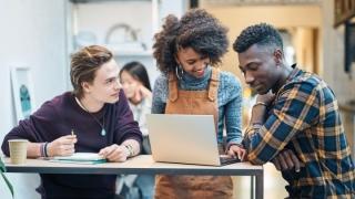 Fibra Yuser de Vodafone, la conexión para estudiantes que se puede desactivar en verano