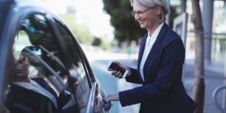 Uber y Cabify abandonarían Barcelona, pero Cabify lo desmiente