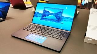 Asus ZenBook 13, 14 y 15: diseño sin biseles, touchpad con pantalla y edición en cuero