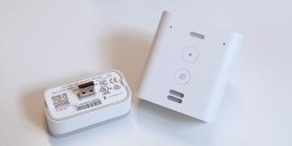 Review: Amazon Echo Flex, el altavoz perfecto para llevar a Alexa a la cocina o al baño