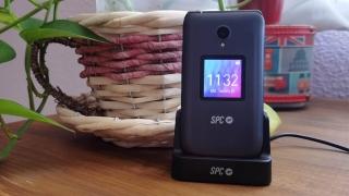 Review: SPC Jasper, el nuevo móvil con el que SPC acerca la tecnología a nuestros mayores