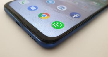 Cómo leer mensajes de WhatsApp sin que salga el check azul