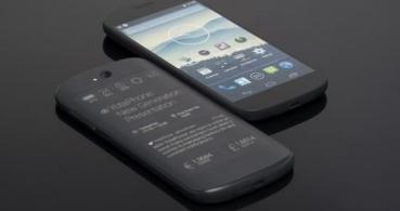 YotaPhone 2 llega al MWC 2014: dos pantallas en un smartphone